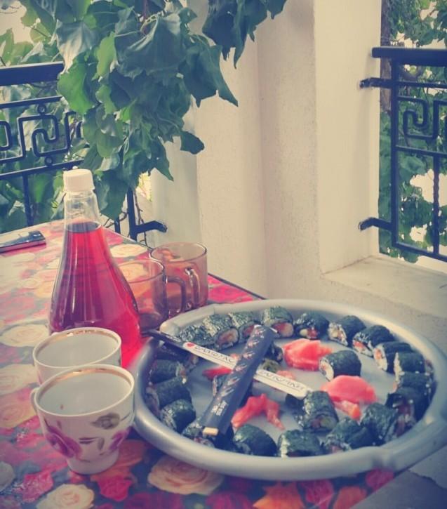Суши с вином